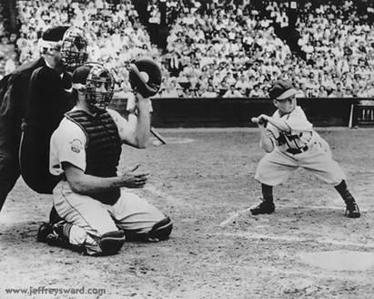 Midget In Baseball 6