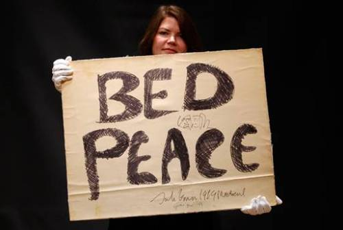 bed in for peace sign