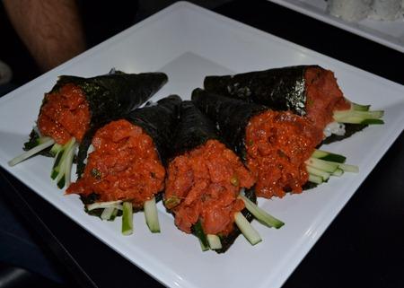 bushido spicy tuna roll