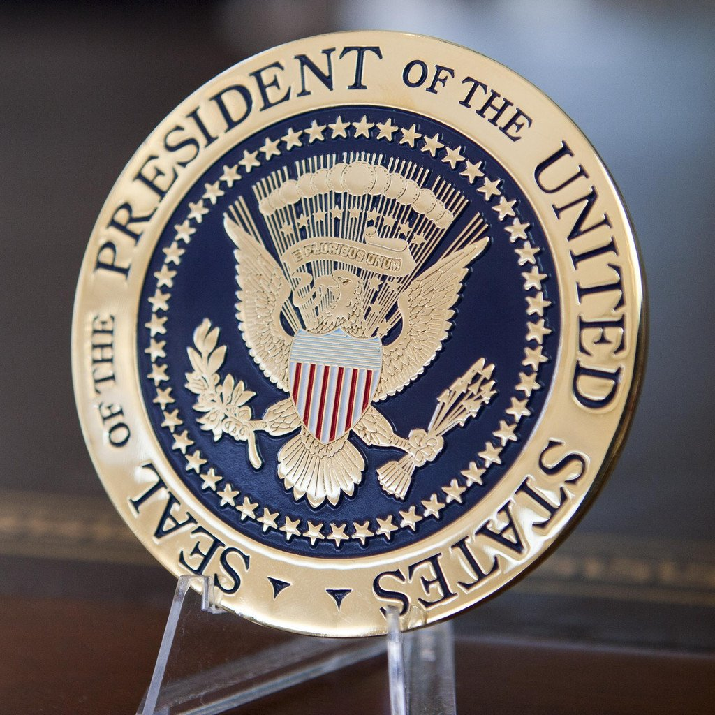 decor_presidential_seal_coaster_1200x1200