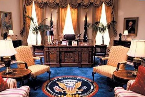white house desk 2