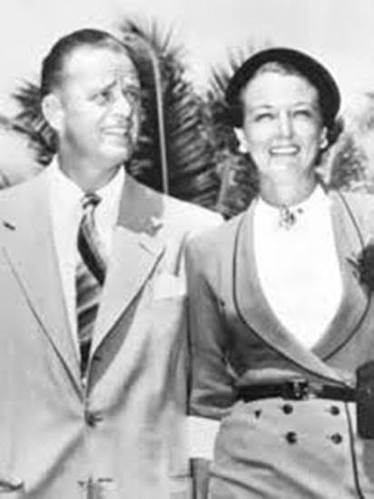 elliott and other wife