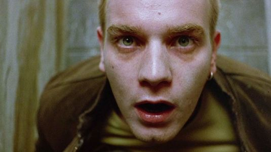 anglo_2000x1125_ewanmcgregor_trainspotting